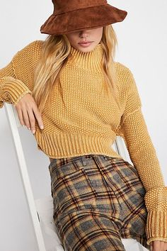Seedling Mock Neck Sweater - Faded Yellow Cozy Sweater - Herbst Pullover - Herbstfarben Source by th Boho Outfits, Hipster Outfits, Sweater Outfits, Fall Outfits, Hipster Clothing, Teenage Clothing, Teens Clothes, Jean Outfits, Clothing Ideas