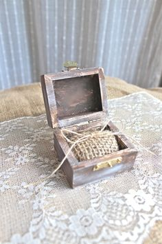Burlap Rustic Ring Bearer Pillow Box  Rustic door ThePaperWalrus