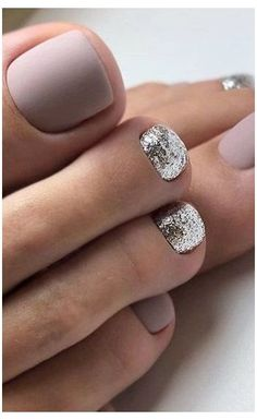 Pedicure Nail Designs, Pedicure Nail Art, Toe Nail Designs, Pedicure Ideas, Cute Toenail Designs, French Tip Pedicure, Feet Nail Design, Gel Toe Nails, Feet Nails