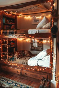 Picturesque New England Decorating Style . Picturesque New England Decorating Style . 14 Bunk Bed for 3 Remarkable and Lovely too Dream Rooms, Dream Bedroom, Room Ideas Bedroom, Bedroom Decor, 50s Bedroom, Barbie Bedroom, Victorian Bedroom, Bedroom Interiors, Trendy Bedroom