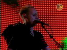 Depeche Mode - Never Let Me Down Again (Live at MTV EMA 08.11.2001)Sehr starker Auftritt