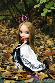 Her majesty, Queen of the Fall #blythe