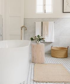 The Rules of Styling Your Room's Rug | Style | Rip & Tan Cream Bathroom, Neutral Bathroom, Master Bathroom, Relaxing Bathroom, All White Bathroom, Minimal Bathroom, All White Room, White Rooms, Wabi Sabi