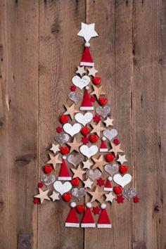 Vous n'avez pas beaucoup de place chez vous ? Vous en avez assez des épines qui envahissent votre sol ou vous voulez tout simplement trouver une idée originale sans déroger à la tradition du sapin de Noël ? Alors, vous aimerez la tendance du moment...