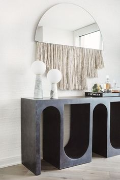 Contemporary console tables are essential to design pieces in any modern interior. This modern furniture is often found in entryways and hallway, the support fo Interior Design Inspiration, Decor Interior Design, Interior Decorating, Decorating Ideas, Decor Ideas, Interior Design Magazine, Interior Ideas, Luxury Furniture, Home Furniture