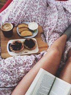 Petit-déjeuner au lit amoureux : Crumpets