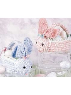 Free #crochet pattern for bunny baskets.  Make yours in time for Easter!