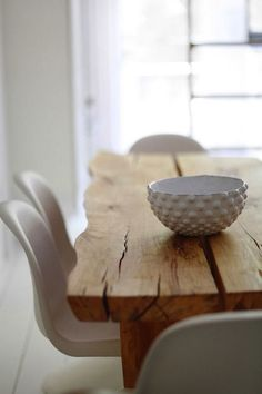 raw wood table, rusticidad con elegancia