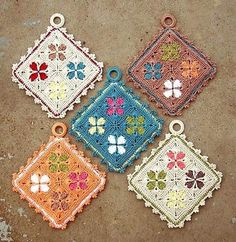 Transcendent Crochet a Solid Granny Square Ideas. Inconceivable Crochet a Solid Granny Square Ideas. Crochet Kitchen, Crochet Home, Crochet Crafts, Crochet Projects, Free Crochet, Knit Crochet, Crochet Granny, Ravelry Crochet, Crochet Geek