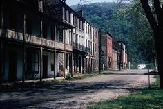 Abandoned buildings in Harpers Ferry, WV, 1959 Old Abandoned Buildings, Abandoned Places, Old Mansions, Abandoned Mansions, Point Pleasant West Virginia, Haint Blue, Harpers Ferry, Haunted Places, Ghost Towns