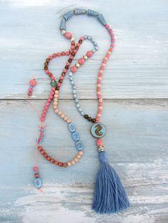 Ketten lang - Lässige Sommer KETTE ★ coral - blau ★ Quaste - ein Designerstück von charm_one bei DaWanda