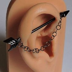 Industrial Barbell - Gunmetal Black Arrow Double Piercing Ear Bar - Barbell and .- Industrial Barbell – Gunmetal Black Arrow Double Piercing Ear Bar – Barbell and Chain 1 1 1 – 1 Scaffold Barbell – Mode Piercing Venom, Spiderbite Piercings, Barbell Piercing, Rook Piercing, Unique Piercings, Bellybutton Piercings, Peircings, Double Piercing, Forward Helix Piercing