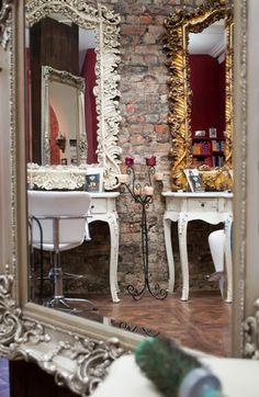 Una peluquer a con muebles vintage - Muebles reciclados vintage ...