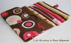 Life According to Missus Vonkysmeed: How to: Make an interchangeable knitting needle case