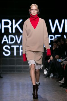 A look from the DKNY Fall 2015 RTW collection.