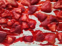 Roasted strawberries- yum- Roast at for 25 to 30 minutes. (You can keep them in the oven for up to an hour; the more time . Strawberry Sauce, Strawberry Recipes, Fruit Recipes, Summer Recipes, Sweet Recipes, Real Food Recipes, Dessert Recipes, Cooking Recipes, Desserts