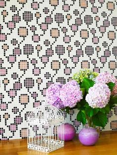 Mosaicos vítreos con motivos florales y colores
