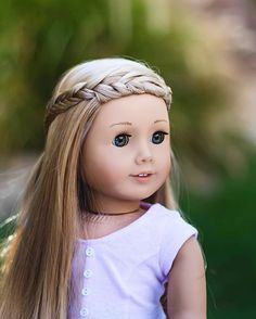 dolls Avalon in I have nothing to do today. American Girl Doll Room, Custom American Girl Dolls, American Girl Doll Pictures, American Doll Clothes, Girl Doll Clothes, Ag Doll Hairstyles, American Girl Hairstyles, Ag Dolls, Cute Dolls