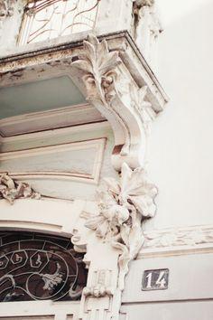 pretty facade in white Architectural Salvage, Architectural Elements, Beautiful Architecture, Architecture Details, Building Architecture, French Architecture, Beautiful Buildings, Interior Architecture, Cherry Blossom Girl