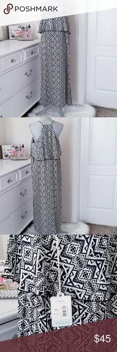 NWT DEPT 222 MAXI DRESS Petite Large dress  left leg slit , attached lining . Made of 100% polyester . Machinewashable DEPT 222 Dresses Maxi