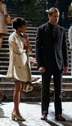 Man from U.E Ask me if I went to thus Teatro because if this scene. Man From Uncle Movie, The Man From Uncle, Armie Hammer, Alicia Vikander, Codename U.n.c.l.e, Retro Fashion, Vintage Fashion, Film Fashion, Girls Shopping