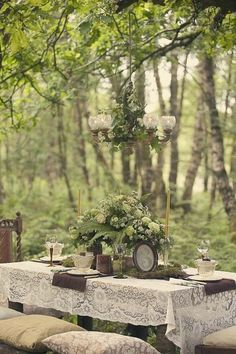 how gorgeous is this outdoor table