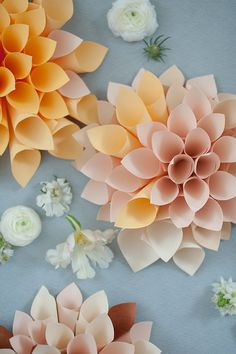 So you've seen Rahel Menig + Lux & Jasper's wedding ideas and DIY concrete vase tutorial already (if not, better open some new tabs! Now it's time to get the how-to behind these paper dahlias that a Paper Dahlia, Paper Peonies, Tissue Paper Flowers, How To Make Paper Flowers, Paper Flowers Wedding, Flowers For You, Giant Flowers, Faux Flowers, Diy Flowers