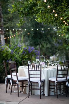 I definitely want these type of Italian strung lights at my reception.