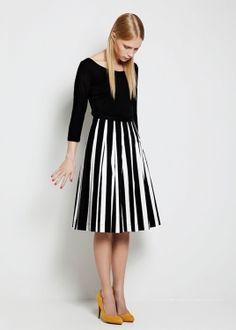アイテム|クロージング|2012S/S COLLECTION|WOMEN|ドレス & スカート|marimekko (マリメッコ) 日本公式サイト