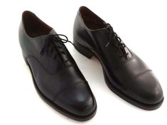 Dack Shoe Oxford Black Leather Upper Soles Sz D Bespoke Vtg 1984 Unworn Top offers Vintage Shoes, Vintage Leather, Vintage Men, Black Shoes, Men's Shoes, Gq Mens Style, Leather Shoes, Black Leather, Bespoke Clothing
