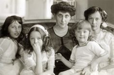 Princess Ingeborg with her children.