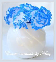 paper flowers for home Paper Flowers, Icing, Crafts, Diy, Home Decor, Manualidades, Decoration Home, Bricolage, Room Decor