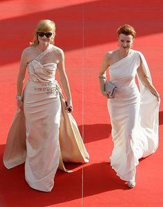 MFFKV: Anna Geislerová a Jitka Schneiderová na červeném koberci Formal Dresses, Wedding Dresses, One Shoulder Wedding Dress, Anna, Celebrity, Raspberry, Fashion, Dress, Dresses For Formal