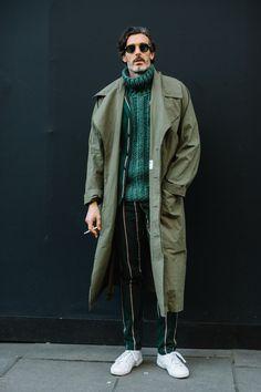 London's Fall 18 Men Fashion Week Street Style, Was a Cozy Affair
