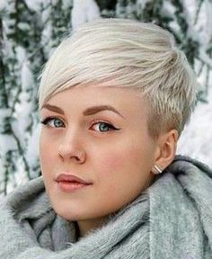 Frisuren Love this cut What if We Can't Afford a Professional Wedding Photographer? Cool Short Hairstyles, Cute Short Haircuts, Hairstyles For Round Faces, Pixie Hairstyles, Hairstyles Videos, Formal Hairstyles, Vintage Hairstyles, Weave Hairstyles, Pixie Haircut For Thick Hair