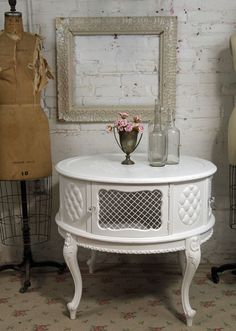 painted French Provincial   | Vintage Painted Cottage Shabby White French Provincial Mesh Round ...