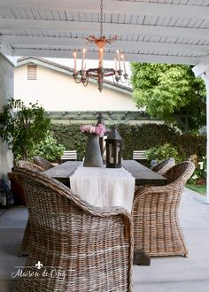 Gorgeous Outdoor Patio Area with Rustic French Chandeliers! Outdoor Chandelier, Outdoor Lighting, Outdoor Decor, Lighting Ideas, Chandeliers, Fresco, Rustic French, French Country, French Decor
