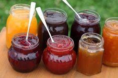 1.En batidos y jugos naturales     Ésta es una forma fácil y rápida de aprovechar la fruta pasada, así como hacer que los niños l...