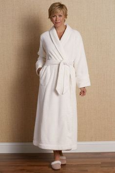 Our Perfect Plush Robe features textural popcorn and fleecy cuffs. It makes the perfect gift for the woman who loves a little luxury!