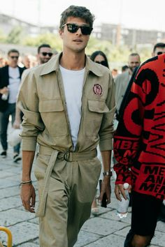 The Best Street Style from Milan Fashion Week Men's Menswear is big business in Milan, which is why you'll spot stylish guys from every tribe during fashion week wearing some of the boldest threads out there. Best Street Style, Cool Street Fashion, Street Styles, Milan Fashion Week Street Style, Mode Masculine, Urban Fashion, Trendy Fashion, Fashion Trends, Trendy Clothing