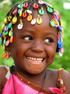 Guinea, West Africa (great smile, smiling, portrait, people, photo, picture, photography, laugh, positive, inspiring, motivation, feel good, happy, happiness, joy, beautiful, amazing, black girl, kid, child)