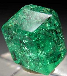 Feel yourself standing in the heart of this beautiful crystal. Tsavorite from Merelani Hills, Arusha, Tanzania