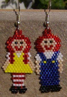 raggedy Ann & Andy -Rag Doll Earrings Hand Made Seed Beaded. Beaded Earrings Patterns, Seed Bead Patterns, Beading Patterns, Jewelry Patterns, Bracelet Patterns, Stitch Patterns, Seed Bead Jewelry, Seed Bead Earrings, Seed Beads