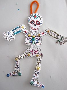 Add a little spooky fun into afternoon crafting with a sweet and simple slinky skeleton. Keep it classic and cool or add color and sparkle for some Dios De Los Muertos delights. time Make a Slinky Skeleton Perfect for Halloween & Día de los Muertos Halloween Crafts For Toddlers, Paper Crafts For Kids, Crafts To Make, Arts And Crafts, Crafts Cheap, Diy Halloween Costumes, Halloween Art, Halloween Decorations, Cheap Halloween