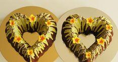 Pääsiäinen ja toivottavasti pian kevätkin kolkuttelee jo oven takana. Viime viikolla tein tilauksesta nämä kaksi suklaakahvikakkua, joihin ...