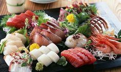 Best Japanese Food, from sashimi / sushi to street food like yakitori Japanese Curry, Japanese Food, Japanese Sashimi, Japanese Desserts, Arte Do Sushi, Sushi Art, Sushi Sandwich, Sushi Rolls, Jai Faim