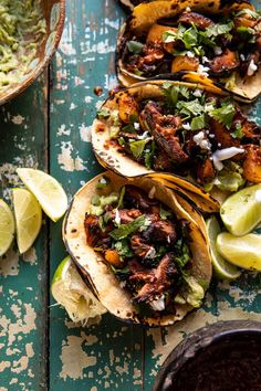Mushroom Al Pastor Tacos with Garlic Lime Special Sauce. - Mushroom Al Pastor Tacos with Garlic Lime Special Sauce Vegetarian Tacos, Vegetarian Recipes, Cooking Recipes, Healthy Recipes, Fast Recipes, Vegetarian Mexican, Vegetarian Grilling, Healthy Tacos, Healthy Grilling