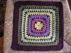 Ravelry: Maggie's Square 12x12 crochet square. Drew Emborsky. Free pattern.