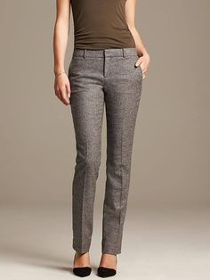 Slim-Fit Textured Gray Straight Leg (ugh, love the pants, hate the color combo with that ugly top) Business Outfits, Business Attire, Work Fashion, Fashion Outfits, Girl Outfits, Vetement Fashion, How To Look Skinnier, Work Looks, Work Wardrobe
