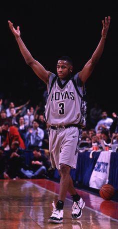 A History of Allen Iverson Wearing Air Jordans Basketball Jones, Mba Basketball, Basketball Pictures, Basketball Legends, Basketball Players, Nba Pictures, Allen Iverson Crossover, Basketball Highlights, Lakers Kobe Bryant